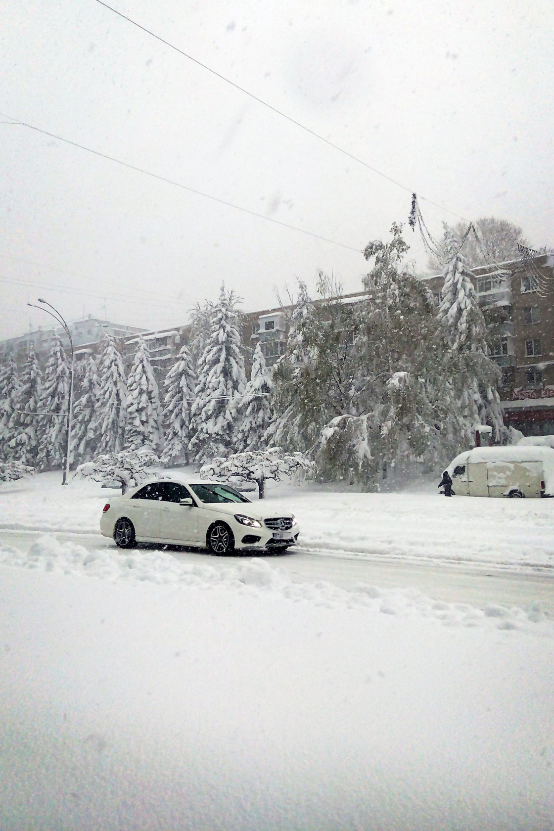 april snow in chisinau (24)