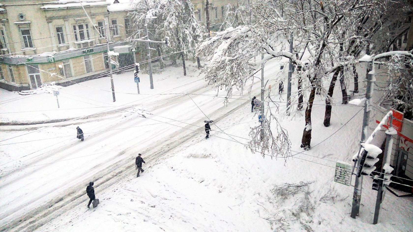 april snow in chisinau (3)