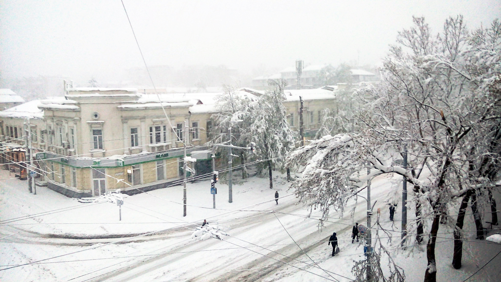 april snow in chisinau (6)